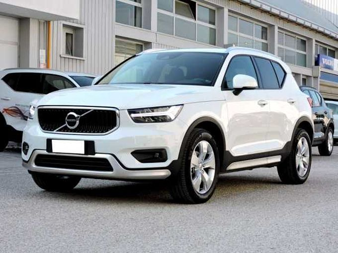Volvo V60 Cross Country XC40 D3 MOMENTUM AUTOMATICA
